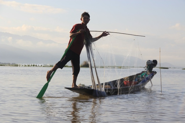 Fisherman in Inle Lake, Myanmar