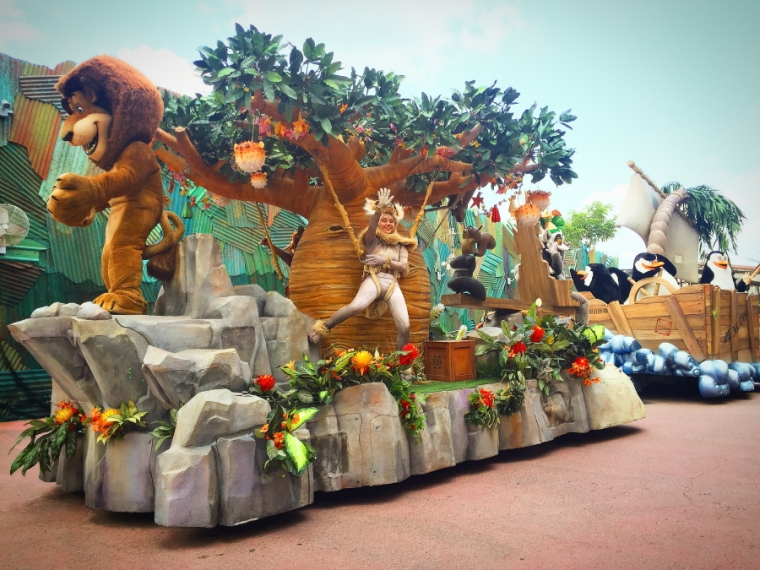 Madagascar -Hollywood Dream Parade at Universal Studios Singapore