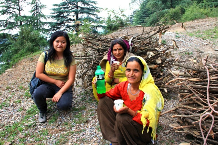 Indian women who carried timber