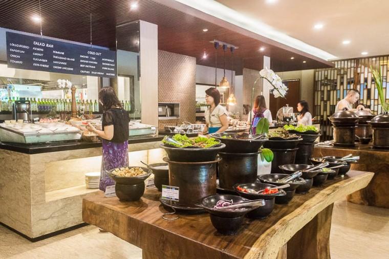 Momo Cafe, buffet, Courtyard Marriott Nusa Dua Bali