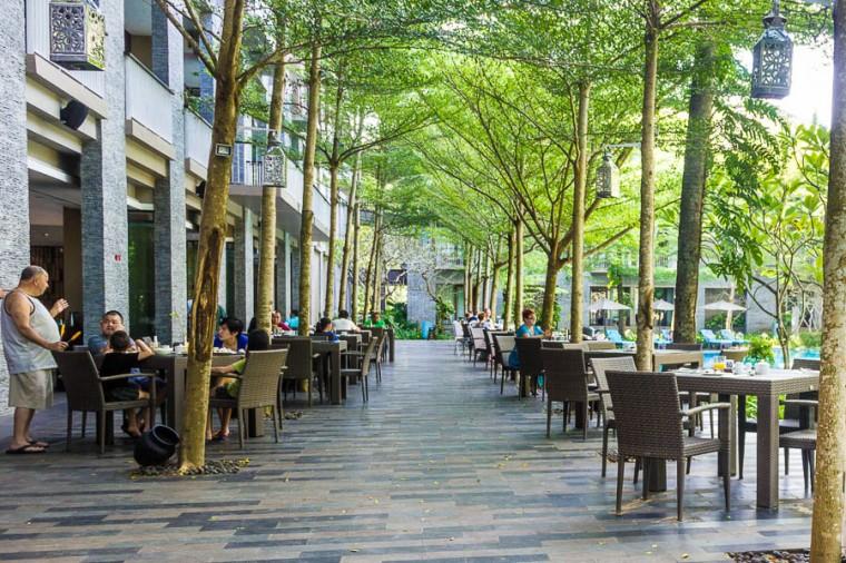 Momo Cafe, outdoor seating, Courtyard Marriott Nusa Dua Bali