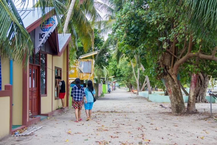 Explore Hangnaameedhoo, Maldives