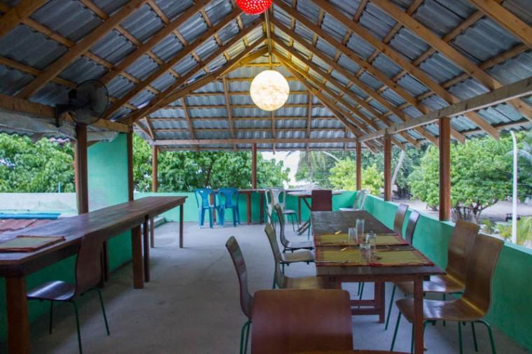 Food in Hangnaameedhoo - Pilot Whale Cafe