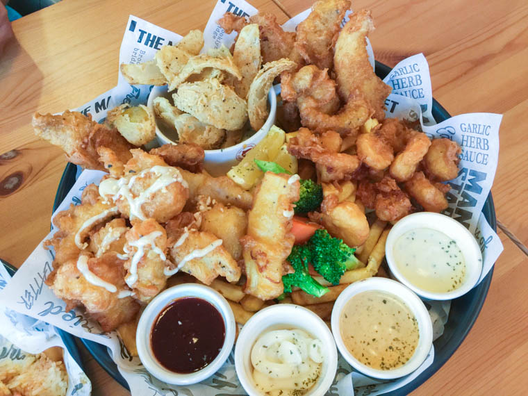 manhattan fish market in hulhumale - giant platter